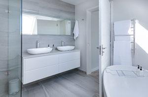 heated-luxury-laminate-bathroom-floor