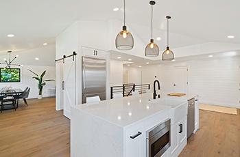 white-kitchen-countertops