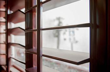 wood-window-blinds