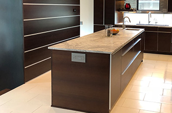 tile-floor-in-modern-kitchen