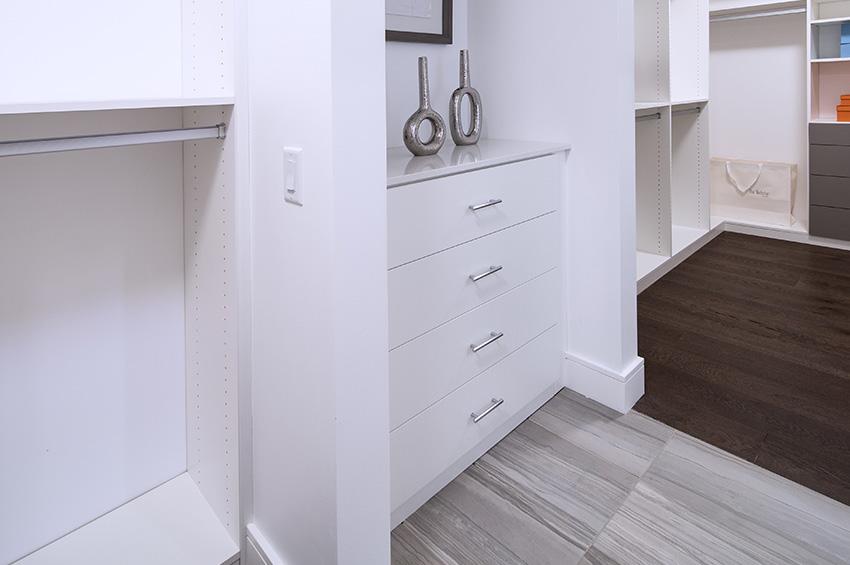 laminate-tile-flooring-in-basement