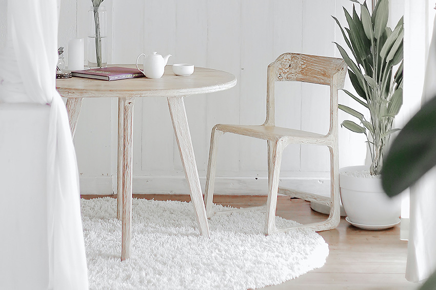 white-area-rug-in-kitchen