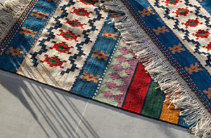 brightly-patterned-area-rugs-with-fringe