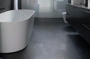 natural-stone-tile-floors-in-bathroom