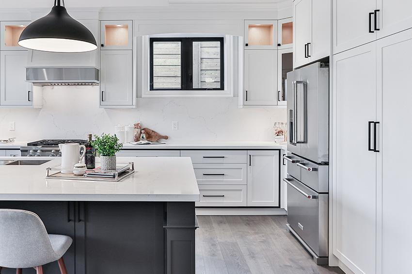 Vinyl-tile-plank-flooring-in-portland-kitchen