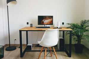 computer-desk-on-bamboo-floor