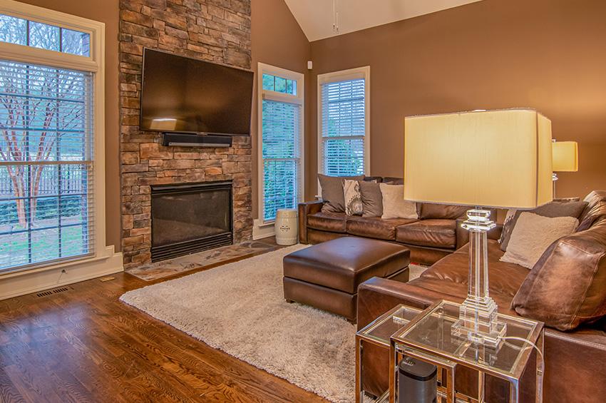 hardwood-flooring-living-room