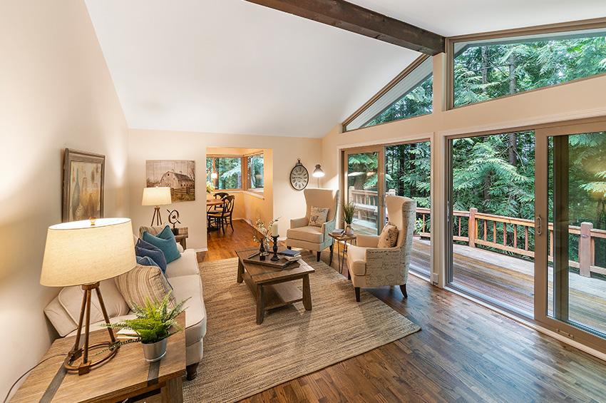prefinished-hardwood-floor-living-room