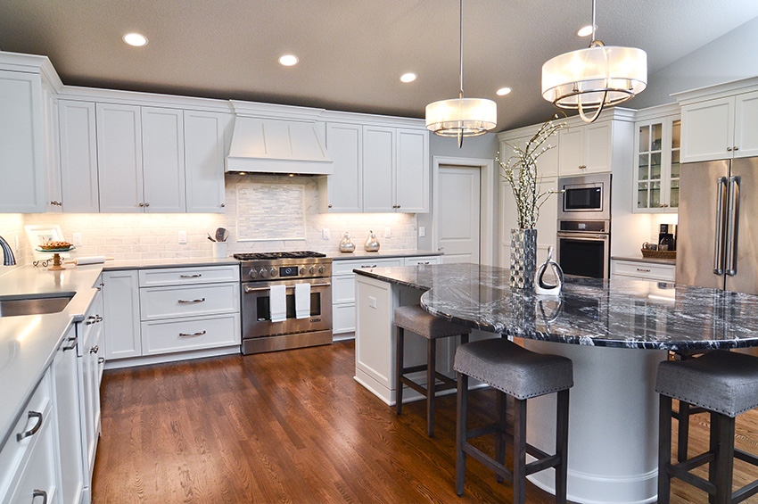 hardwood-flooring-in-kitchen