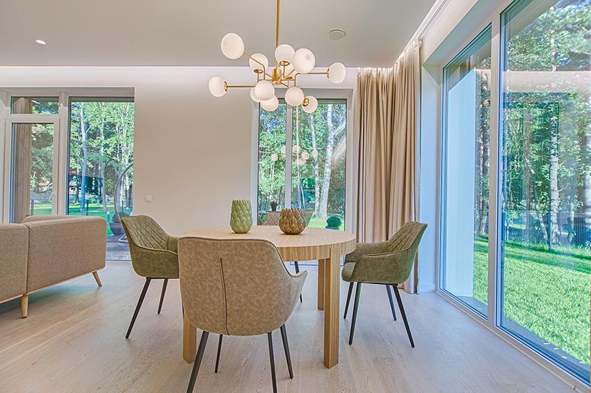 laminate-flooring-dining-room