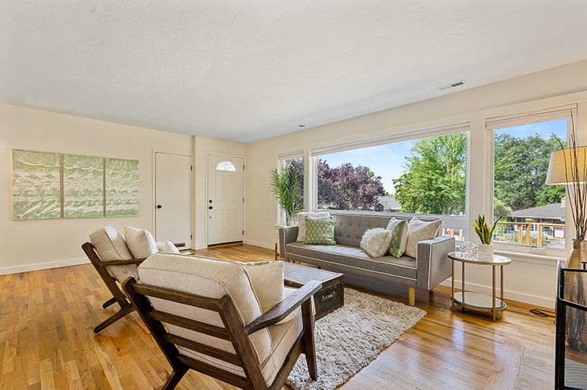 6-flooring-design-tips-to-make-small-rooms-seem-bigger