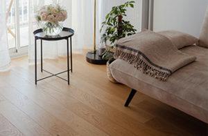 Wood-like vinyl plank flooring